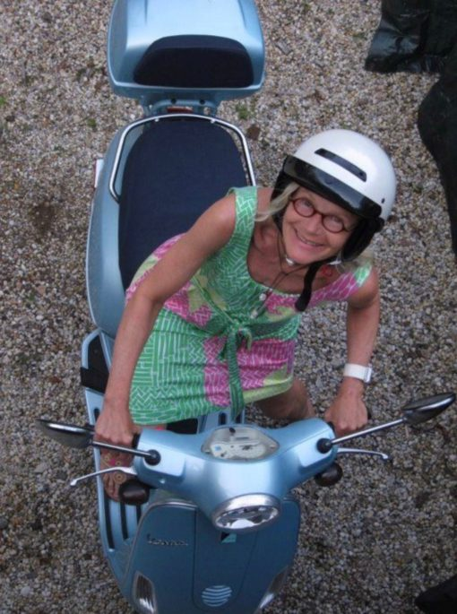 Me on my cute little Vespa. Yup, I had my license tucked into the pocket of my Lilly